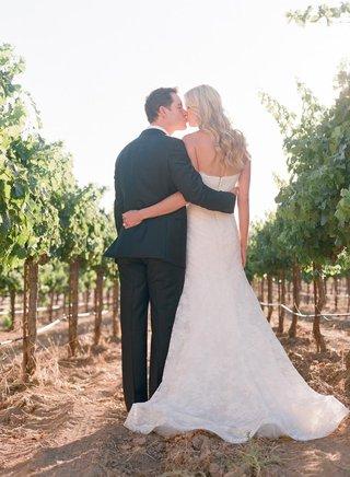 celebrity-groom-mark-paul-gosselaar-and-bride