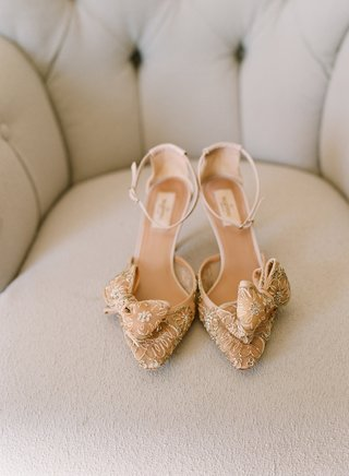 champagne-hued-heels-with-ankle-strap-and-bow