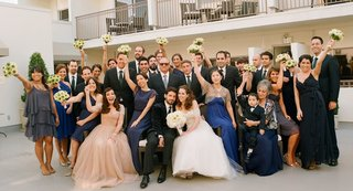 mindy-weiss-bridesmaids-and-groomsmen-outside