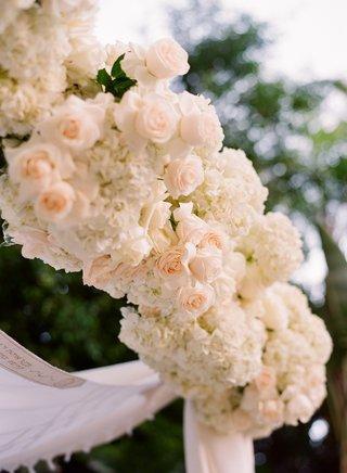 chuppah-with-light-peach-roses-and-white-hydrangeas