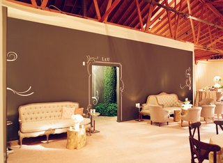 tufted-lounge-seating-and-tree-trunk-tables