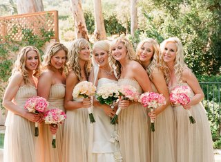ribbon-trimmed-veil-and-champagne-dresses