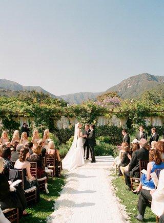 san-ysidro-ranch-romantic-outdoor-wedding