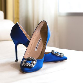 wedding-shoes-manolo-blahnik-bright-blue-pumps-with-silver-buckle-wedding-heels