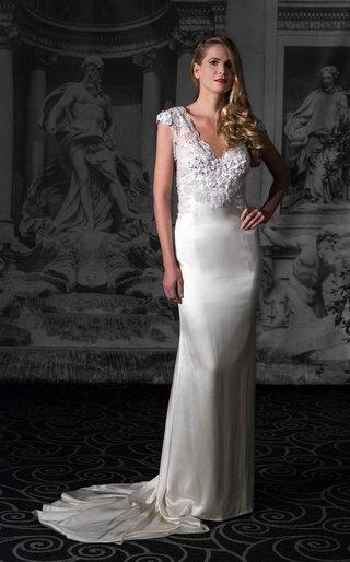 sarah-jassir-la-dolce-vita-2016-v-neck-cap-sleeve-wedding-dress-with-low-back