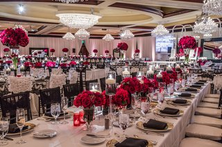 elegant-lace-linens-and-crimson-rose-centerpieces