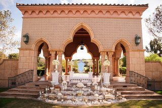 wedding-ceremony-mediterranean-style-pavilion-staircase-stage-sofreh-table-display