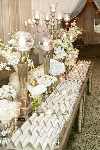 mirror-tabletop-with-candelabrum-and-seating-cards