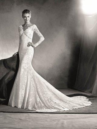 atelier-pronovias-2017-eludia-v-neck-lace-wedding-dress-mermaid-long-sleeve-black-and-white