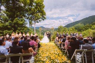 yellow-flower-petals-at-north-carolina-highlands-wedding