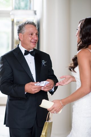 father-of-the-bride-cries-as-bride-reads-letter-and-gives-handkerchief-gift