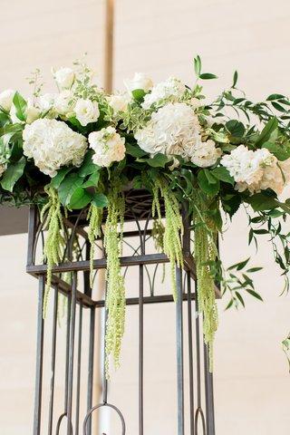 iron-ceremony-arch-with-white-hyrdrangeas-green-amaranthus
