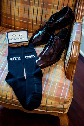 tracy-morgan-wedding-accessories-cuff-links-brooklyn-and-bronx-socks-salvatore-ferragamo-shoes