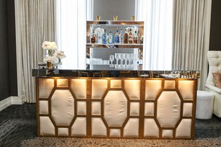 mirror-topped-bar-with-art-deco-detailing