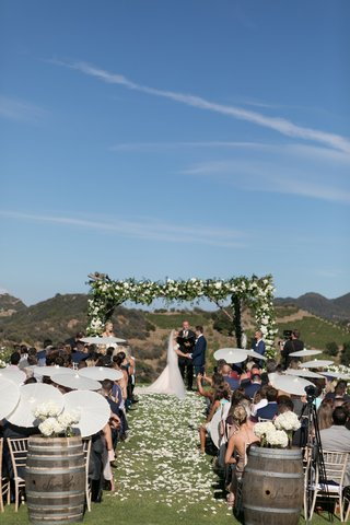 saddlerock-ranch-wedding-outdoor-ceremony-white-parasols-for-guests-mountain-view-wedding