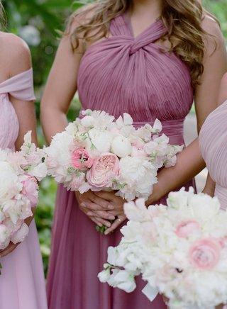 bridesmaids-in-mismatched-dresses-purple-pink-lavender-mauve-necklines-pink-garden-rose-white-peonie