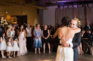 bride-hugs-her-father-and-dances-at-wedding
