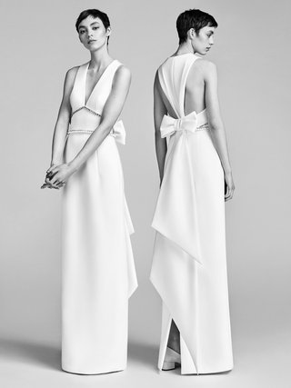 look-3-vrm042-by-viktor-rolf-inverted-v-back-column-gown-with-bow-embroidery-border