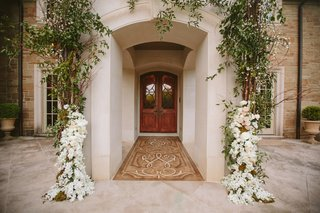 entrance-to-family-home-embellished-with-greenery