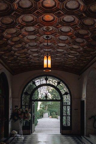 wedding-at-vibiana-entryway-at-vibiana-art-deco-wedding-venues