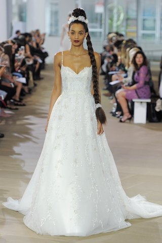 ines-di-santo-spring-2018-painted-embellished-lingerie-strap-sweetheart-gown-waist-a-line-bow-train
