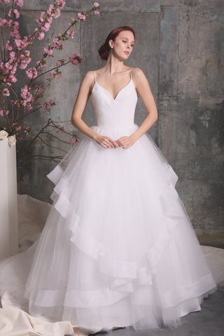 christian-siriano-spring-2018-ball-gown-v-neckline-straps-cinched-tulle-skirt-asymmetrical-design