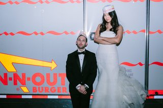 in-n-out-burger-food-truck-at-wedding-reception-bride-in-n-out-hat