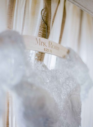 personalized-wood-wedding-dress-hanger-with-mrs-ross-and-wedding-date-engraved-in-wooden-hanger