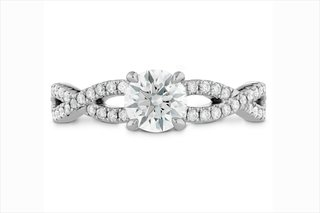 hearts-on-fire-diamond-engagement-ring-with-intertwining-band