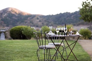 bistro-table-with-wine-flight-at-clos-lachance-winery