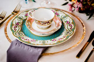 vintage-patterned-china-as-place-setting-for-alice-in-wonderland-inspired-wedding-styled-shoot