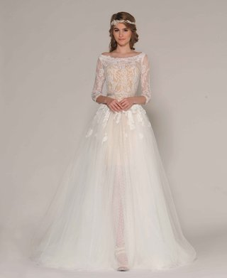 eugenia-couture-fall-2016-three-quarter-sleeve-lace-gown-with-lace-appliques