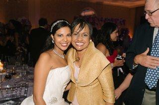 bride-in-strapless-vera-wang-wedding-dress-and-sparkling-headband-with-judge-glenda-hatchett