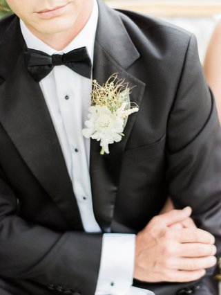 bohemian-inspired-boutonniere