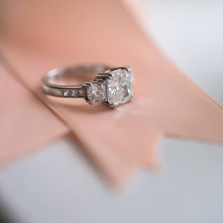 cushion-cut-8-prong-engagement-ring-with-side-stones-and-accents