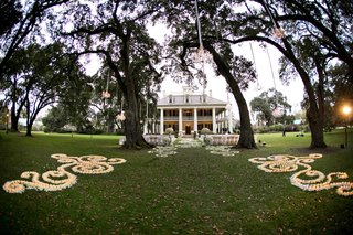 houmas-house-plantation-in-darrow-louisiana-southern-wedding-venue-for-outdoor-ceremony