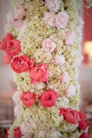 grand-floral-fixture-focal-point-pink-ivory-hydrangea-peonies-winding-southern-wedding-detail