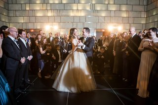 bride-groom-dance-surrounded-by-guests-champagne-colored-wedding-dress-new-york-city-jewish-wedding