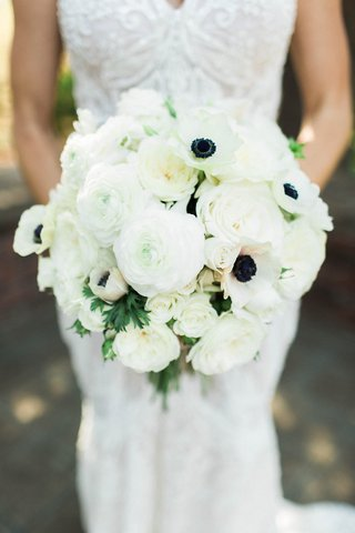 crisp-white-floral-bouquet-bride-sonoma-california-garden-roses-rustic-chic-wedding