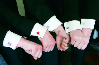 groomsmen-with-new-york-yankees-cuff-links-and-the-boston-red-sox-cufflinks