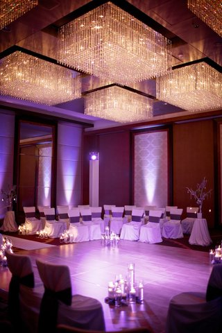 floating-candles-and-crystal-chandelier-lighting