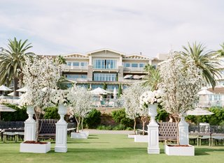 montage-laguna-beach-lawn-wedding-ceremony