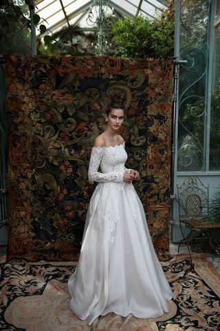 lihi-hod-2016-ball-gown-wedding-dress-with-lace-bodice-and-long-sleeves-off-the-shoulder