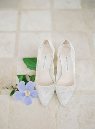 manolo-blahnik-lace-shoes-wedding-pumps-sheer-classic-style-bridal-heels