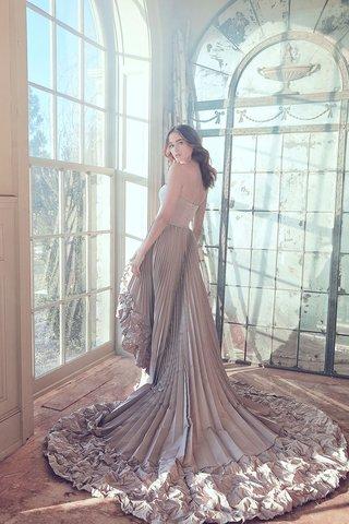 sareh-nouri-spring-2019-swan-lake-collection-wedding-dress-odette-pleat-skirt-sleek-bodice-strapless