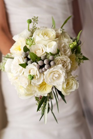 white-rose-white-garden-rose-greenery-winter-berries-in-fall-winter-bridal-bouquet