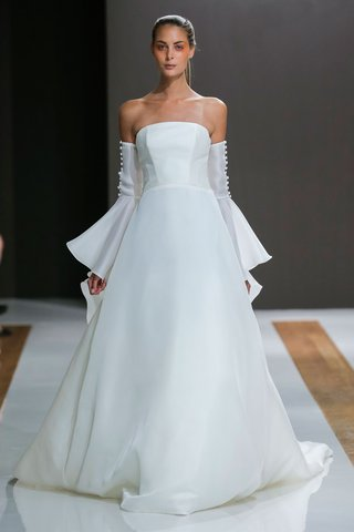 mark-zunino-spring-2018-wedding-dress-strapless-bridal-gown-a-line-skirt-long-off-shoulder-sleeves
