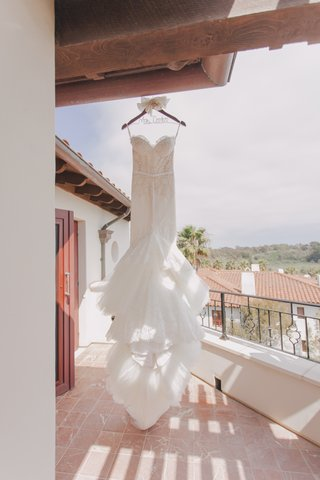 lace-mermaid-bridal-gown-with-long-train