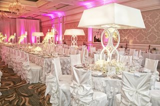 chicago-ballroom-filled-with-white-slipcovers