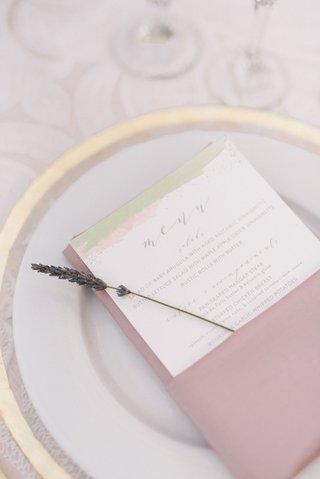 wedding-reception-gold-rim-charger-plate-pink-linen-napkin-lavender-sprig-gold-white-menu-card